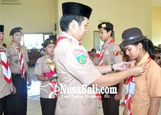 Nusabali.com - wabup-kembang-buka-sidparcab-pramuka-jembrana-2018