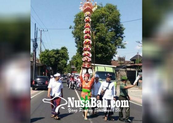 Nusabali.com - ritual-nyuwun-pajegan-3-meter-ke-samuan-tiga