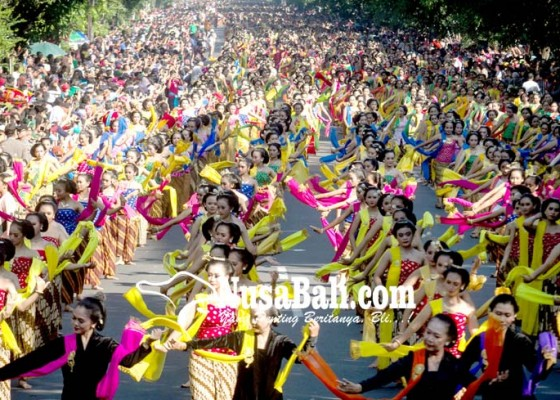 Nusabali.com - solo-menari-gambyong-5000