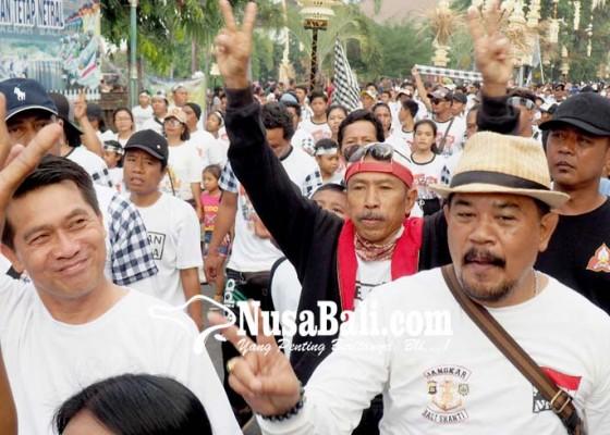 Nusabali.com - suwasta-jalan-santai-bersama-ribuan-warga-klungkung