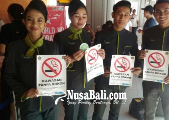 Nusabali.com - merokok-sembarangan-di-bandara-akan-kena-tipiring