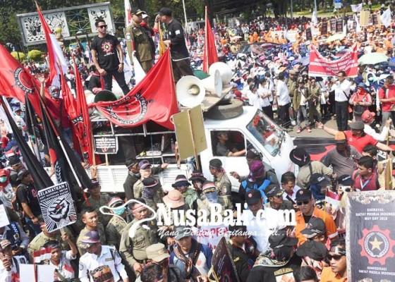 Nusabali.com - rieke-usung-5-maklumat-prabowo-tolak-tka