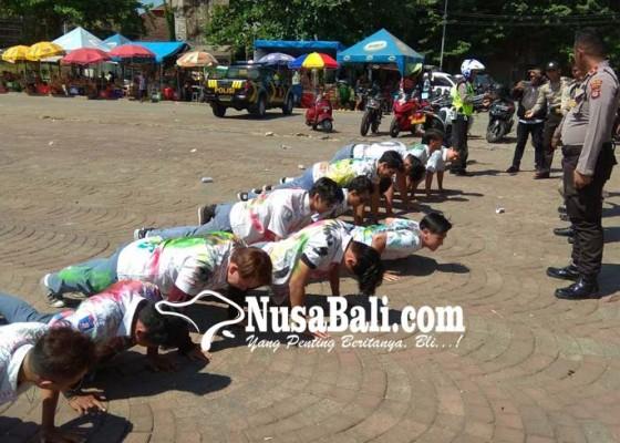 Nusabali.com - konvoi-geber-motor-30-siswa-sma-dihukum-push-up