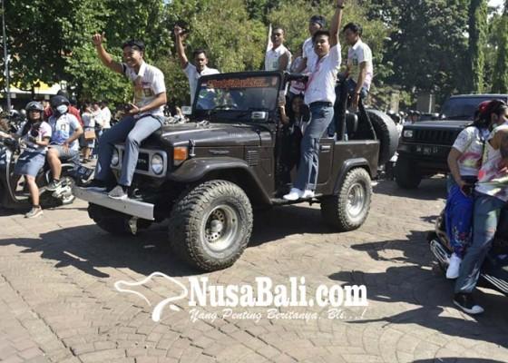 Nusabali.com - disdik-sesalkan-konvoi-makan-korban