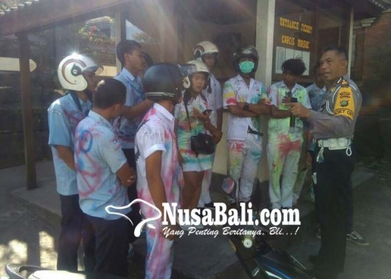 Nusabali.com - konvoi-kelulusan-puluhan-siswa-smasmk-ditilang