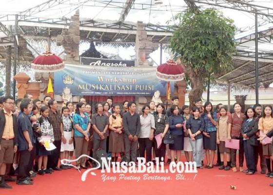 Nusabali.com - musikalisasi-puisi-sebagai-peleburan-harmonis-puisi-dan-musik