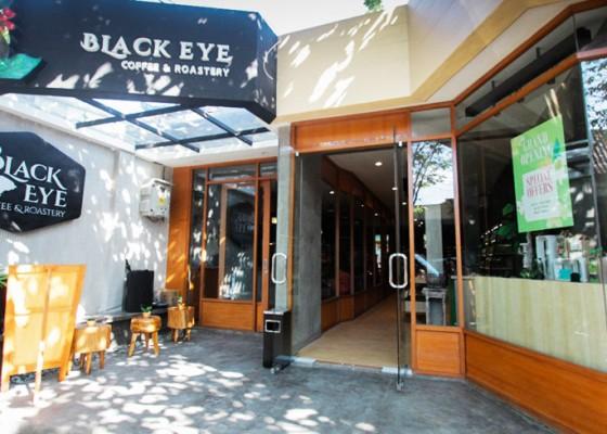 Nusabali.com - black-eye-coffee-roastery-hadir-di-tanah-lot