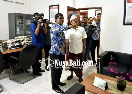 Nusabali.com - koster-prihatin-kondisi-kantor-ori-perwakilan-bali