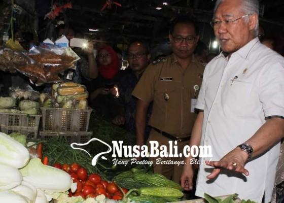 Nusabali.com - jelang-puasa-menteri-perdagangan-pantau-pasar-di-badung