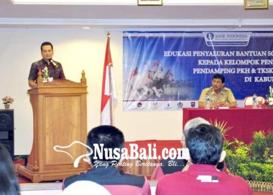Nusabali.com - edukasi-penyaluran-bansos-non-tunai-wabup-ingatkan-sosialisasi-menyeluruh