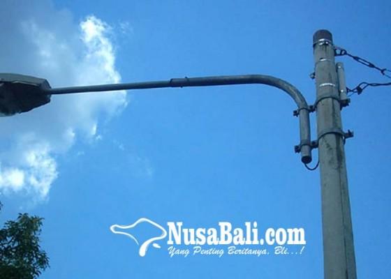 Nusabali.com - lpj-bantuan-kemenhub-dipasang-di-jalur-pariwisata