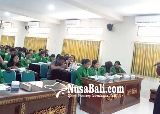 Nusabali.com - himasa-unmas-denpasar-motivasi-mahasiswa-buat-pkm