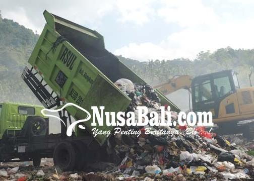 Nusabali.com - sampah-kembali-dibuang-ke-eks-tpa-sente