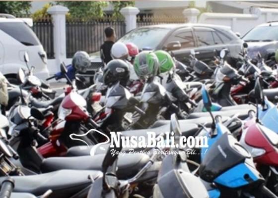 Nusabali.com - pemkab-tabanan-teken-mou-dengan-empat-bank-untuk-e-parkir