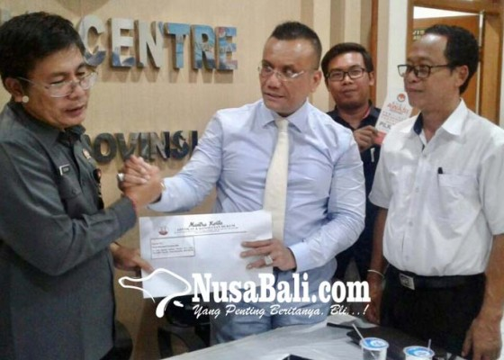 Nusabali.com - gubernur-ketua-dewan-diingatkan-telaah-uu