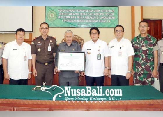 Nusabali.com - badung-denpasar-tandatangani-piagam-pencanangan-pembangunan-zona-integritas