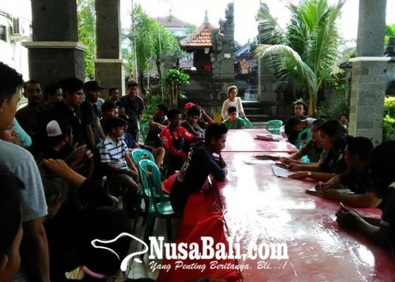 Nusabali.com - pelanggar-ketertiban-umum-ikuti-sidang-tipiring