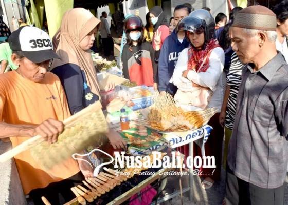 Nusabali.com - hari-pertama-puasa-takjil-ramai-pembeli