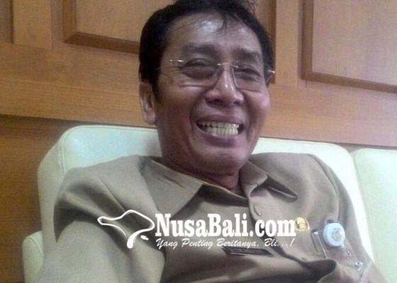 Nusabali.com - pegawai-muslim-dapat-potongan-jam-kerja