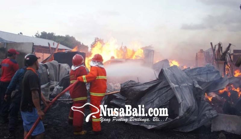 www.nusabali.com-pabrik-bambu-di-kusamba-terbakar
