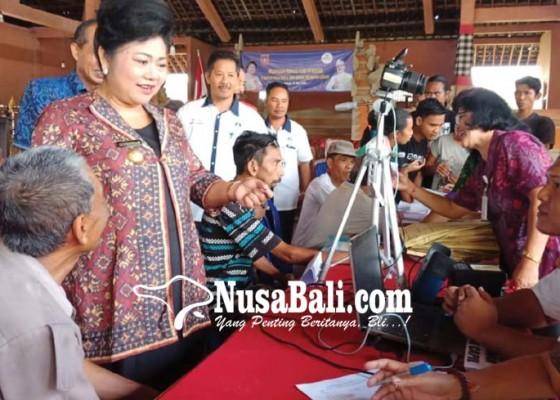 Nusabali.com - bupati-karangasem-buka-layanan-goes-to-banjar