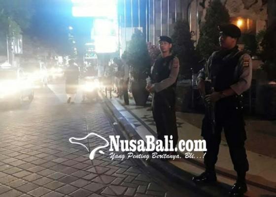 Nusabali.com - personel-bersenjata-lengkap-siaga-di-legian