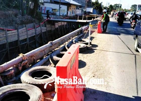 Nusabali.com - proyek-jalan-di-tukad-teba-ditargetkan-selesai-oktober