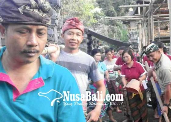 Nusabali.com - krama-ngayah-di-pura-penataran-agung-nangka
