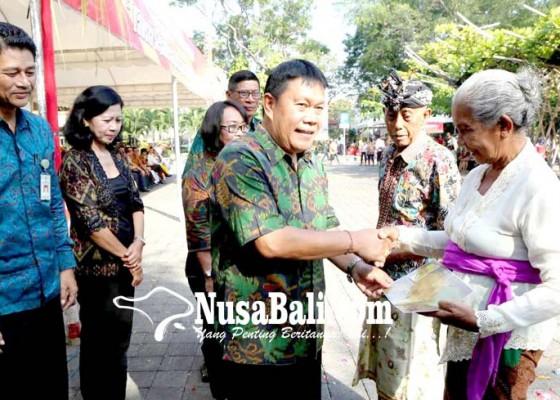 Nusabali.com - 425-kartu-lansia-di-denpasar-didistribusikan