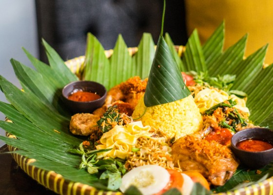 Nusabali.com - celebrate-the-moment-of-ramadhan-with-nasi-tumpeng-ala-lumbung