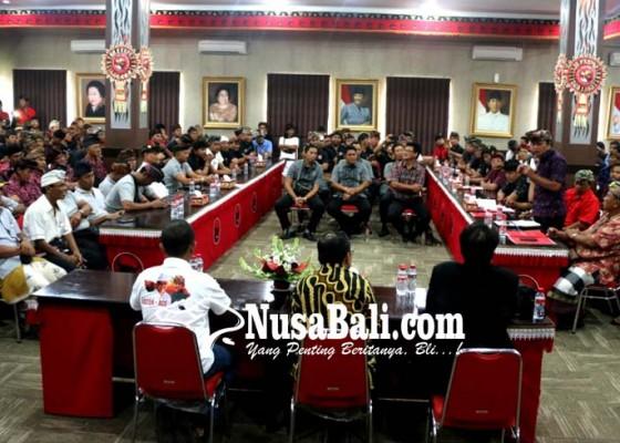 Nusabali.com - 500-sopir-transportasi-konvensional-mesadu-ke-koster