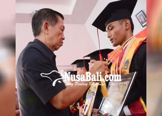 Nusabali.com - hampir-80-lulusan-tahun-ini-diterima-di-perguruan-tinggi-kerja