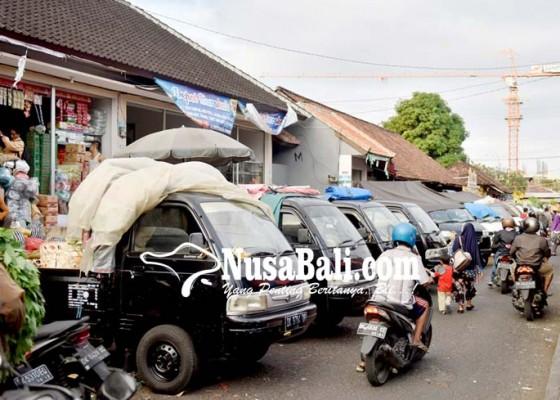 Nusabali.com - pd-pasar-rancang-pedagang-bermobil-dipindah-ke-eks-tiara-grosir