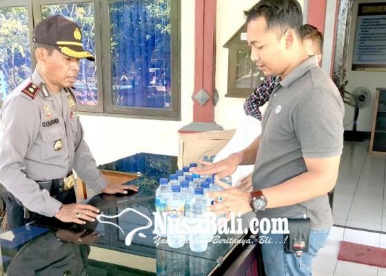 Nusabali.com - polsek-gilimanuk-gagalkan-penyelundupan-arak-ke-jawa