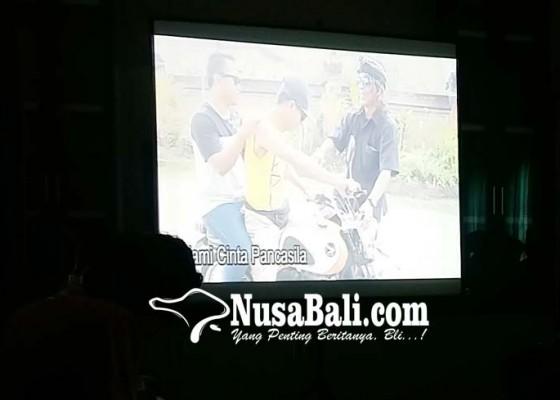 Nusabali.com - belasan-filmaker-peringati-harkitnas