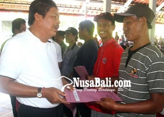 Nusabali.com - jelang-hari-raya-dana-operasional-prajuru-cair