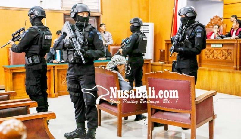 www.nusabali.com-pengamanan-sidang-pledoi-aman-abdurrahman