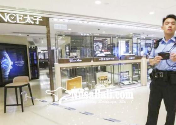 Nusabali.com - 27-detik-perampok-bawa-perhiasan-rp-9-m