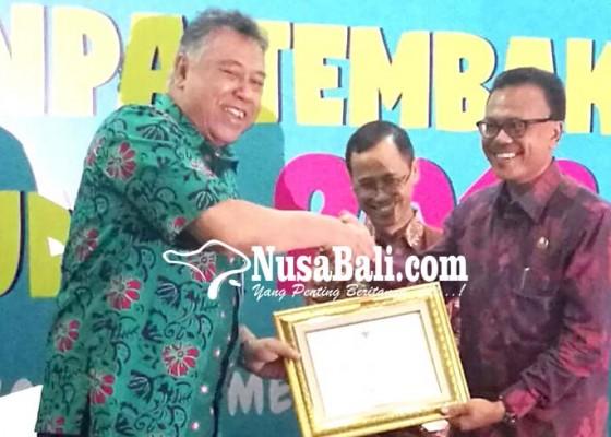 Nusabali.com - sukses-terapkan-perda-ktr-pemprov-bali-raih-penghargaan-pastika-parama