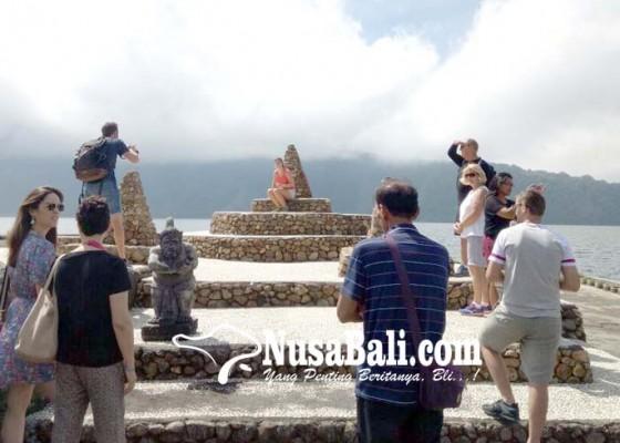 Nusabali.com - dtw-ulun-danu-beratan-dipadati-pengunjung