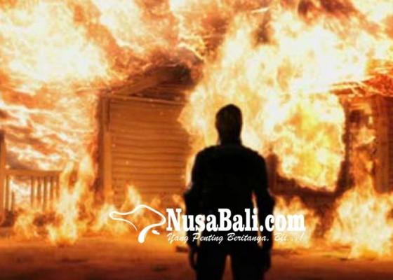 Nusabali.com - gara-gara-ditilang-bakar-rumah