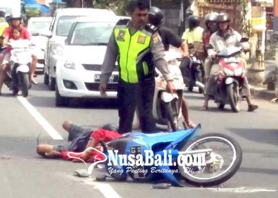 Nusabali.com - pemotor-tewas-dilindas-pick-up