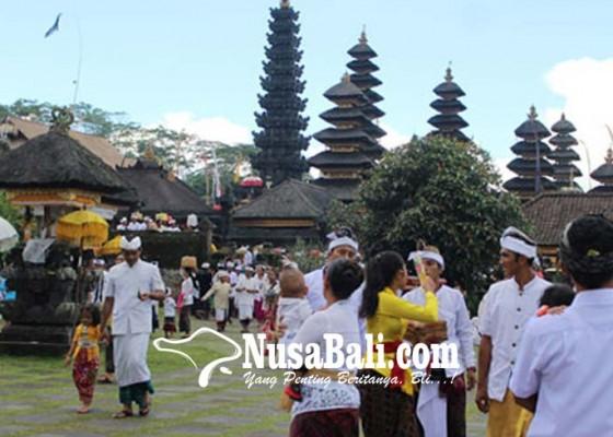 Nusabali.com - wisatawan-india-ikut-macaru