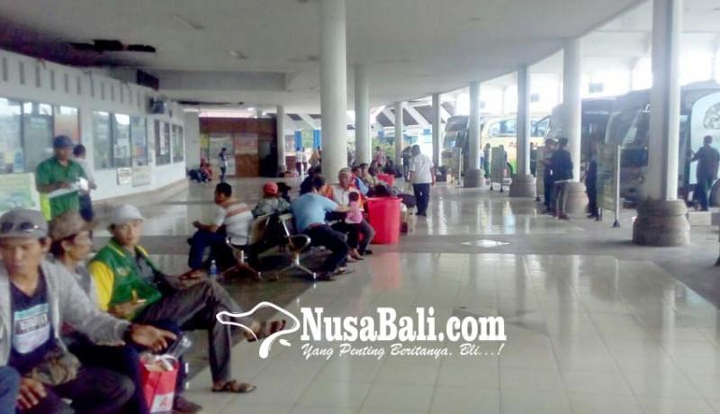 www.nusabali.com-jumlah-penumpang-bus-kian-tergerus