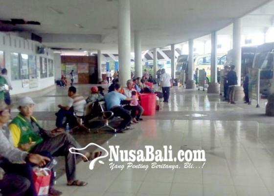 Nusabali.com - jumlah-penumpang-bus-kian-tergerus