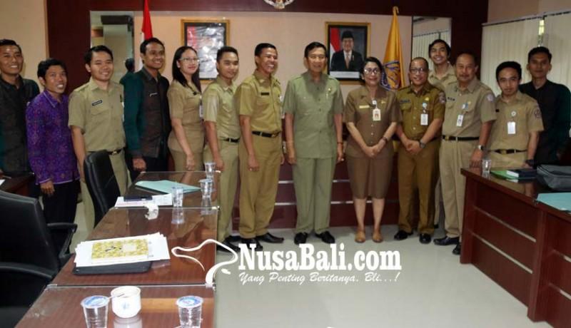 www.nusabali.com-terima-siswa-miskin-smasmk-bali-mandara-tunjukkan-tanggung-jawab-pemerintah
