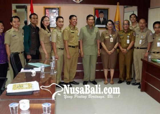 Nusabali.com - terima-siswa-miskin-smasmk-bali-mandara-tunjukkan-tanggung-jawab-pemerintah