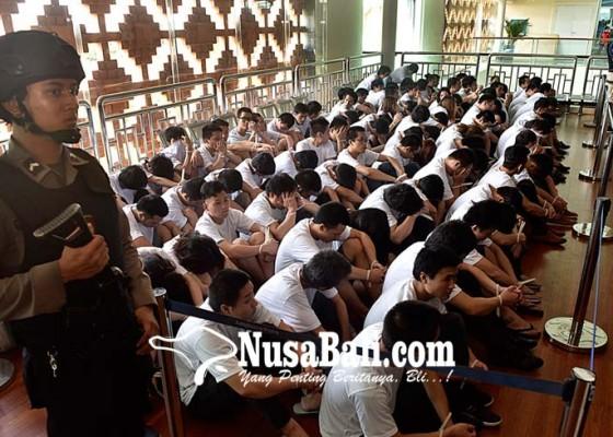 Nusabali.com - 103-wna-china-tersangka-cyber-fraud-dideportasi