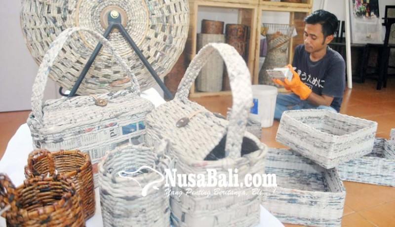 www.nusabali.com-kerajinan-limbah-kertas-koran