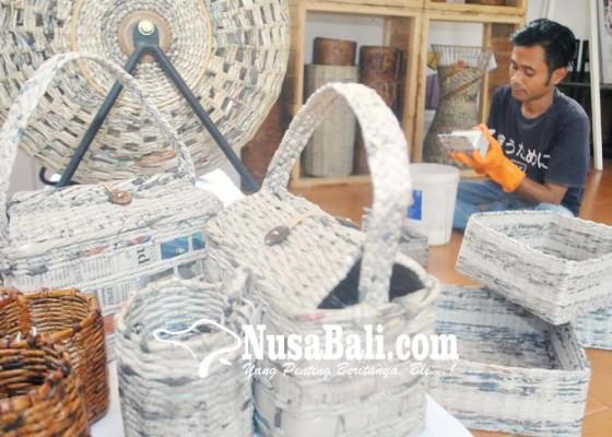 Nusabali.com - kerajinan-limbah-kertas-koran